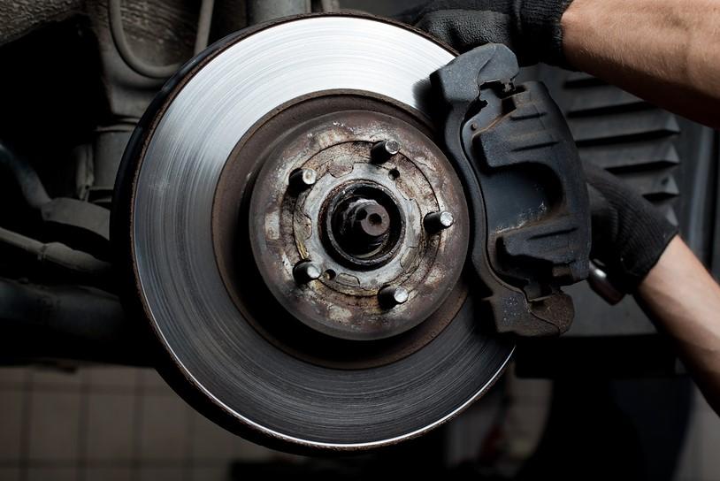 Frana pe disc masina schimb plaute km numar cost